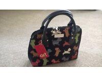 Brand New Signare Convertible Handbag. Playful Puppy Tapestry Design.
