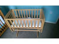 Mamas and Papas gliding crib c/w mattress, fitted sheets and blankets