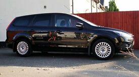 Ford Focus Titanium TD for sale. Comes with 1 years MOT. Part service history. 2 previous owners.