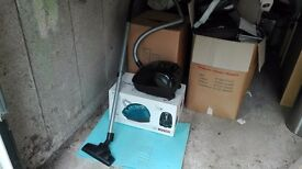 Bosch bagged vacuum cleaner