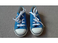 Dunlop boys trainers / shoes size 9