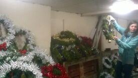 LUXURY HANDMADE REAL FOLIAGE (LEYLANDII) CHRISTMAS DOOR WELCOME WREATH. ONLY £28.00 DELIVERED