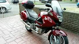 Honda deauville nt700