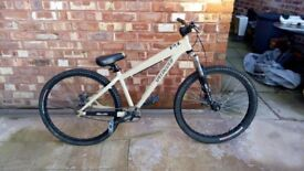 SPECIALIZED P1 FRONT SUSPENSION DIRT / JUMP BIKE