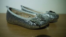 GIRLS SPARKLY SLIP ON SHOES