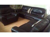 Quality modern brown leather suite 2+3+1 all in good cond can deliver
