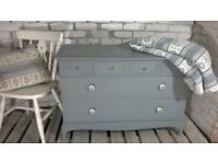 Lovely Stag Minstrel 6 drawer dresser chest