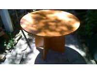 Round dining table (Delivery)