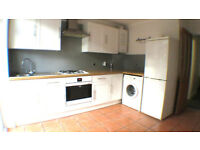 *** ONE DOUBLE BEDROOM FLAT WITH PRIVATE GARDEN IN EXCELLENT LOCATION***