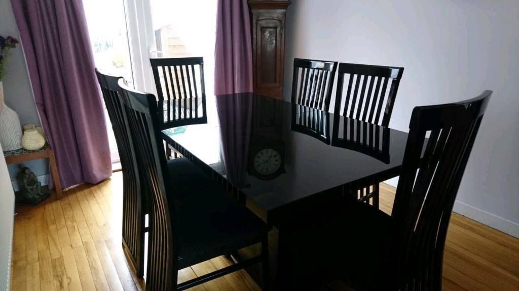 Reduced Black High Gloss 6 8 Seater Dining Table And Chairs In Llantwit Fardre Rhondda Cynon Taf Gumtree