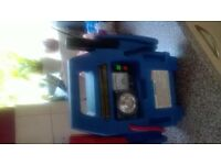 car battery starter in excellent condition (blue) with leads