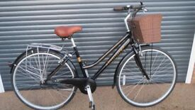 LADIES DUTCH STYLE LIGHTWEIGHT ALUMINIUM STEPTHROUGH TOWN BIKE IN EXCELLENT USED CONDITION..
