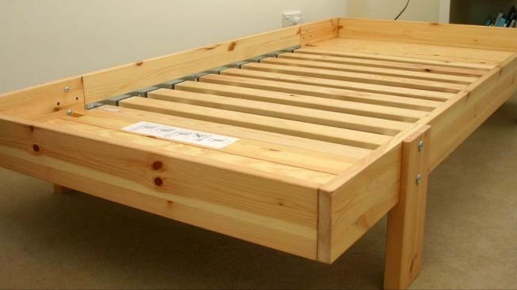 Immaculate IKEA toddler to single extendable bed | in ...
