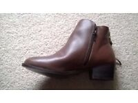 Carvela tan ankle boors size 6 new boxed
