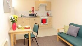 STUDENT ACCOMMODATION TO RENT 1 BEDROOM IN 2 BEDROOM FLAT, 2 MINUTES TO UNIVERSITY AND OXFORD ROAD