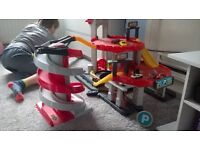 Children's toy garage, ideal for kids age three upwards. Includes lots of cars!