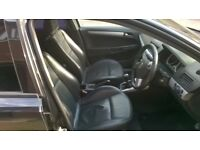 Vauxhall Astra SRi 2006 Leather Seats Front and Back