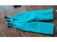 Water/Snowproof trousers