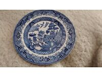 Wessex Collection Blue & White Fluted Plates Willow Pattern 17CM