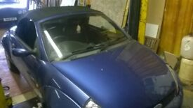 FORD STREETKA STREET KA SPARES OR REPAIR. NEEDS LOWER CONTROL ARM AND TOP HAS A SLIT IN IT.