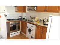 Two double bed ground floor with communal gardens in sw18 for only £1300 pcm