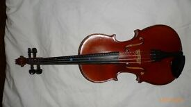 1/2 size French violin. Perfect for a young player.