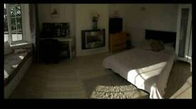 Double bedroom furnished and bills included
