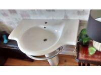 lovely wide ensuite/bathroom basin