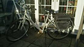 GIANT expression size S LADIES TOWN BIKE IN SILVER