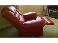 Stunning 'Friends' Lazyboy recliner and massage leather chair