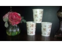 'NEW' SET OF 3 DECORATIVE, PRETTY SHABBY CHIC, FLOWER PLANT POTS..