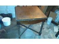 Oak square/circular drop-leaf table