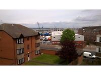 2 Bedroom Large Maisonette Flat near to Ferry and Town Centre - White Lion Walk