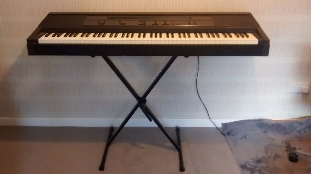 Yamaha Clavinova Full Sized Electric Keyboard Piano & Stand | in