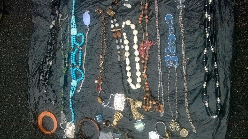 carboot lot jewellery