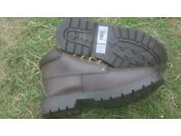 Boots size 6 brown