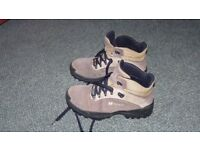 Walking boots in very good condition, size 6 and 1/2