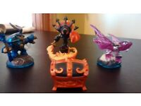 Starter pack skylander imaginators also 3 extra figures with it and disc unwanted gift