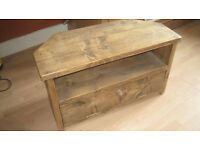 Beautiful Handcrafted Solid Wood Corner Unit / TV stand - Battlefield / Mount Florida