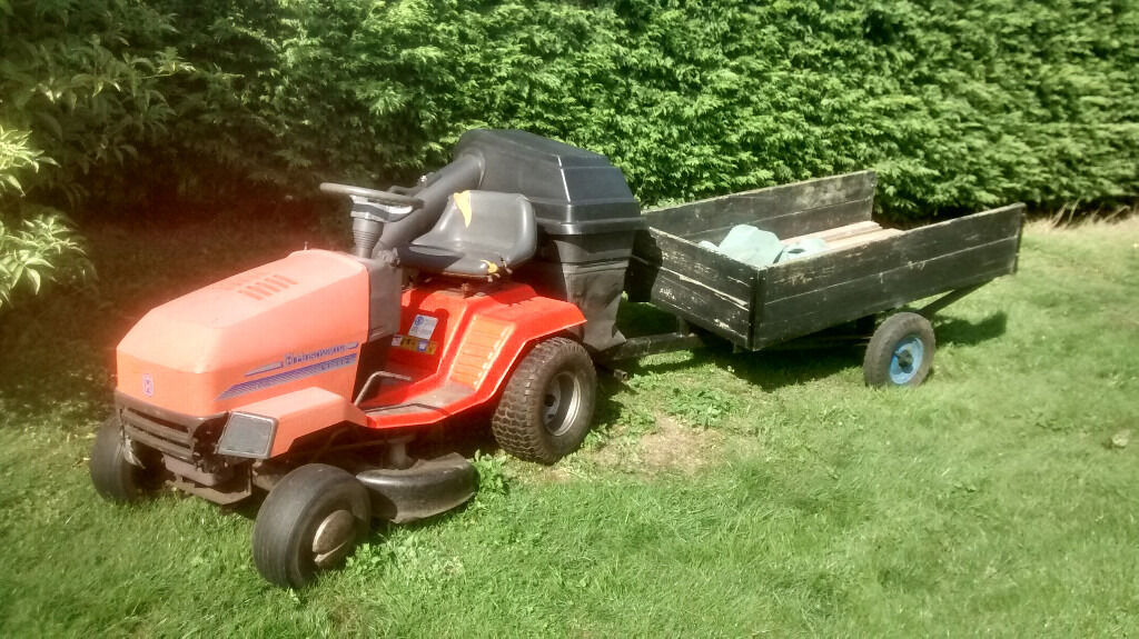 Husqvarna LT112 Ride On Mower & Garden Trailer, 12HP B&S engine ...