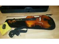 🎻 Bentley 3/4 size violin with bow, rosin, case and Violin Books