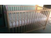toddler bed + mattress - 40£