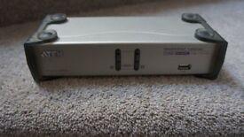 ATEN 2-Port USB Dual-View KVMP™ Switch