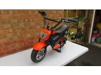 Mongoose MGX-250 24v Electric Motorbike- Ex Display New Unused-