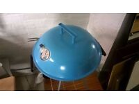 Small Teal Blue Barbecue Set in Good Condition