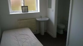 ***Room to let all bills included***