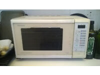 Panasonic 800W Digital Microwave Oven