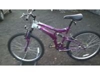 GENTS MOUNTAIN BIKE IN NEW CONDITION D/ SUSPENSION FULL SIZE 26 IN alloy wheels