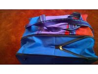 Sports bag, hardly used and in good condition, the bottom expands for extra space.