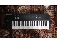 Native Instruments Komplete Kontrol S49 (Great Condition)